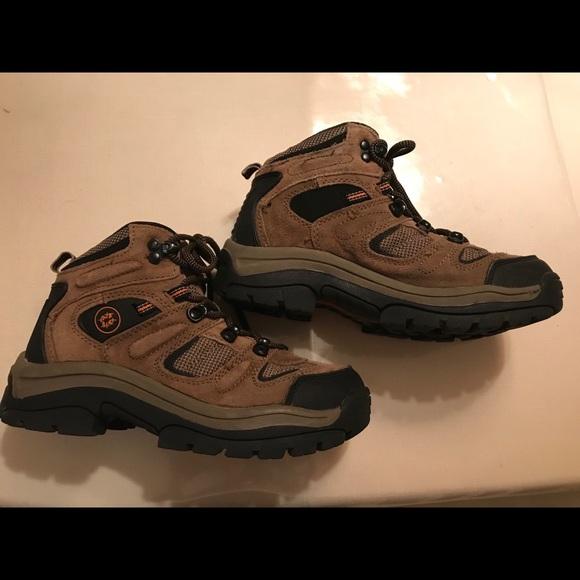 6bdb9848670 Boys Nevados Hiking Boots